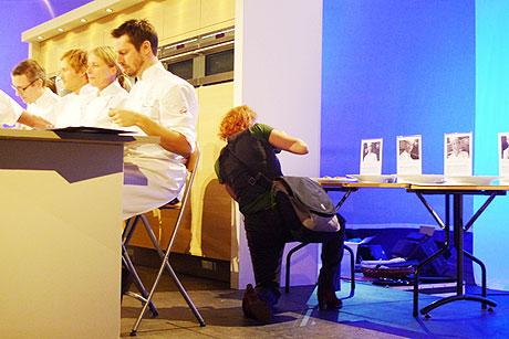 Alice Brax fotograferar på Årets Kock 2009 Foto:Magnus Skoglöf