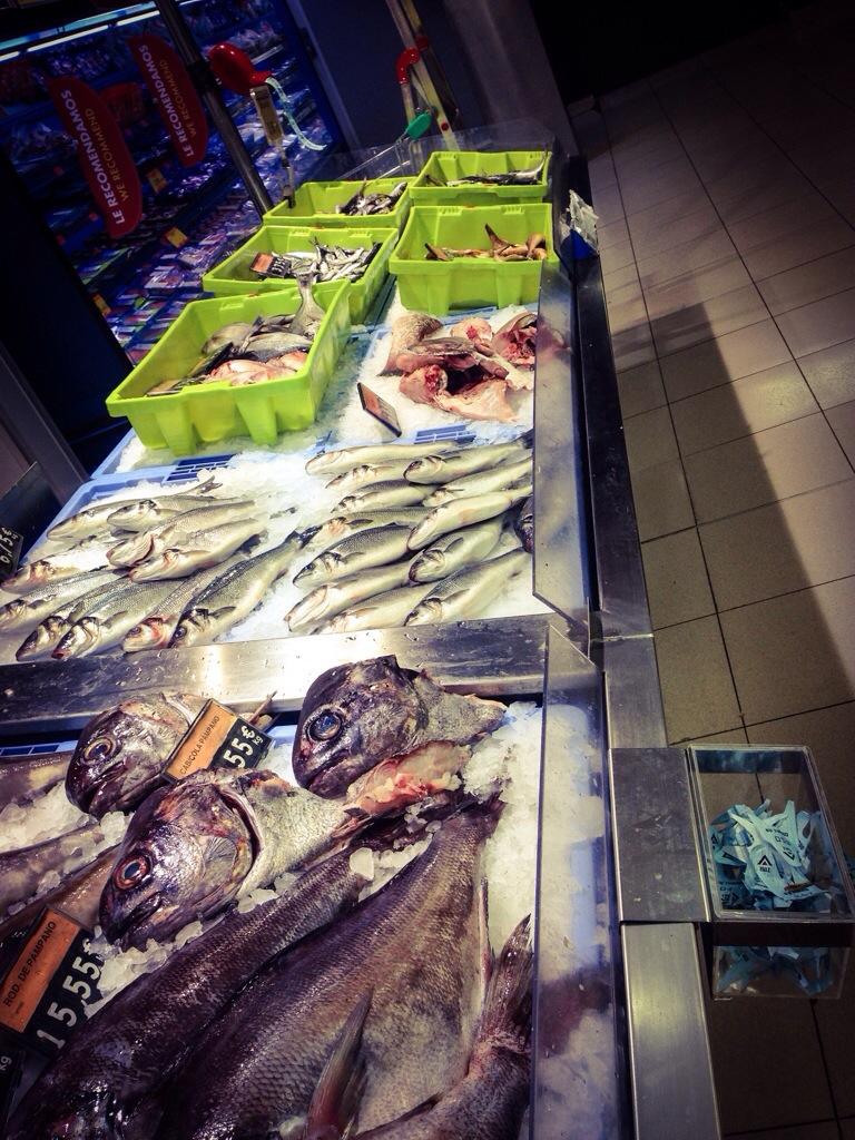 Fiskdisk i mataffär på Teneriffa